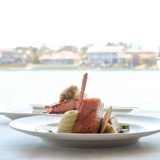 Crusoes-Restaurant-Pork-Salmon-Table